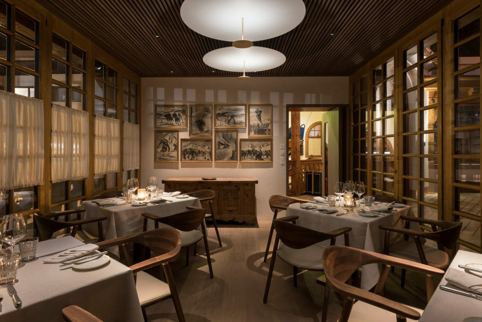 KulmCountryClub_Innen_Restaurant6Bar_TagNigelYoung-FosterPartner-1798x1200