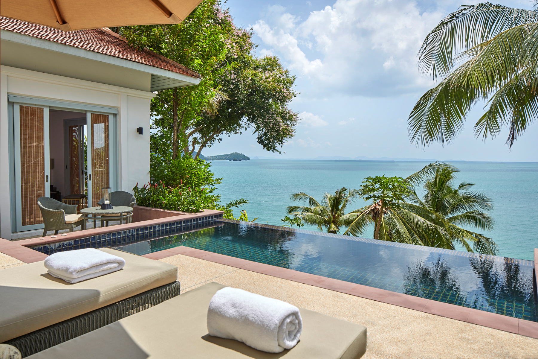 Amatara_Wellness_Resort_Ocean_Pool-Villa-06